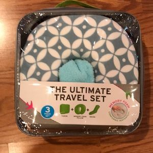 The ultimate travel set in blue
